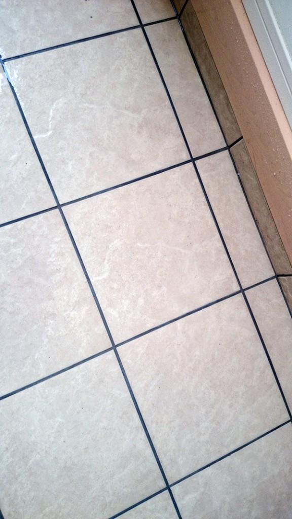 玄関の土間(掃除後)